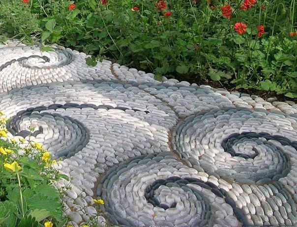 Необычные садовые дорожки
